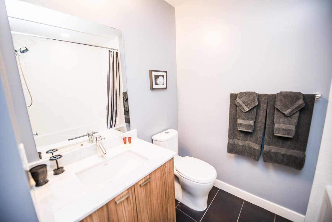 bathroom in toronto furnished apartment