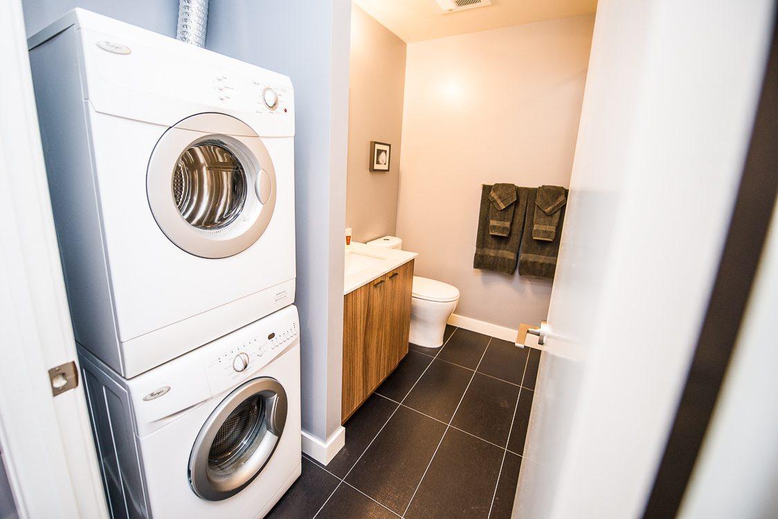 washing machine in toronto furnished apartment on king west