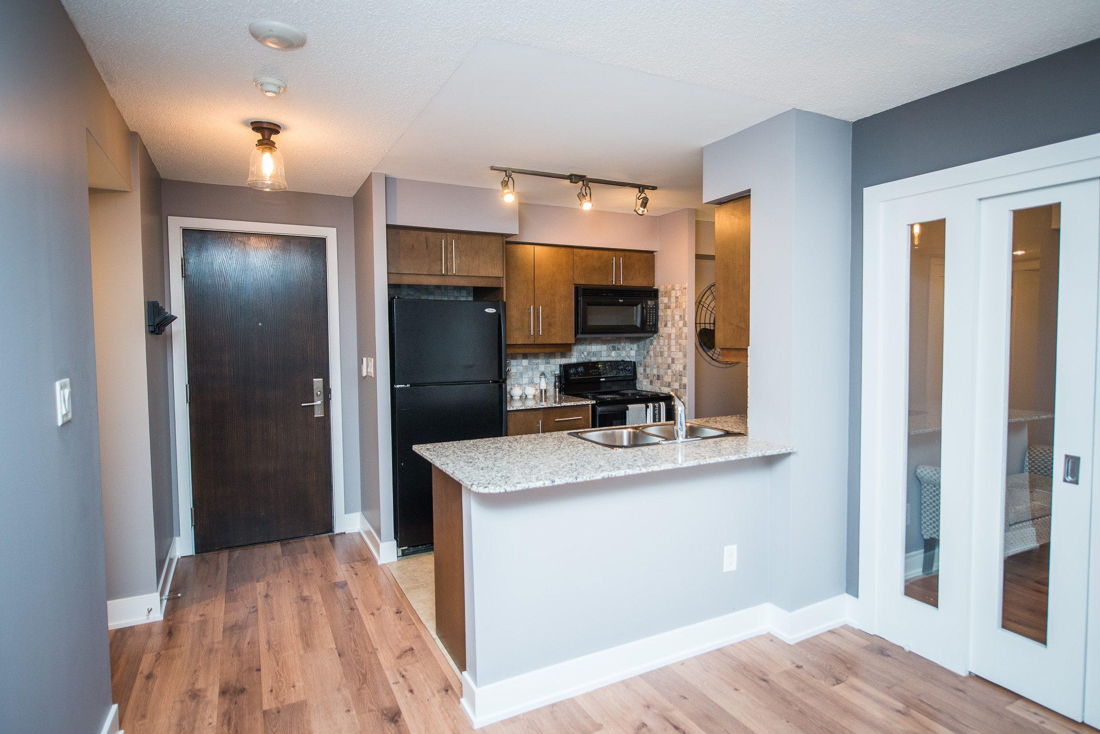 toronto furnished apartment living room