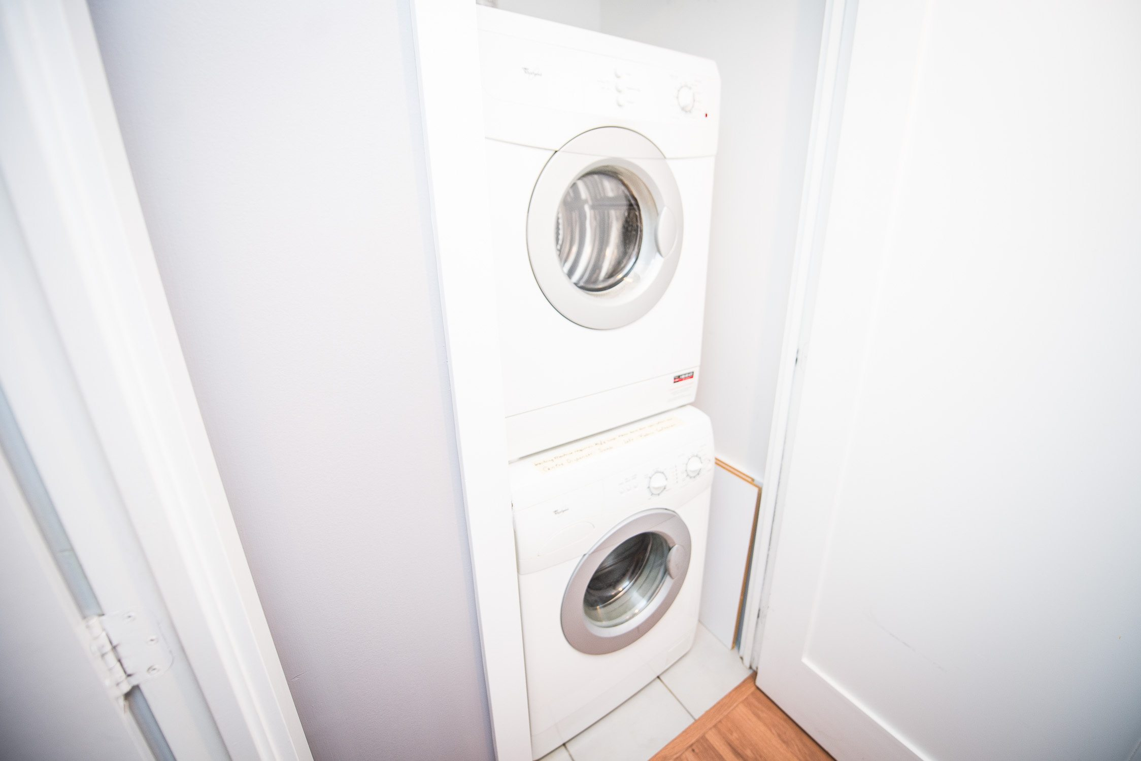 washer dryer in toronto furnished apartment