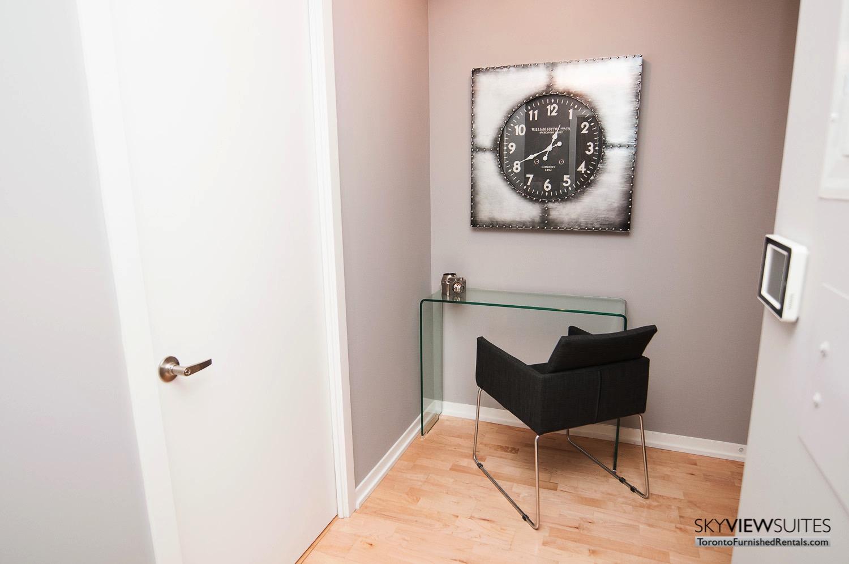 short-term-rentals-toronto-living-room-maple-leaf-square