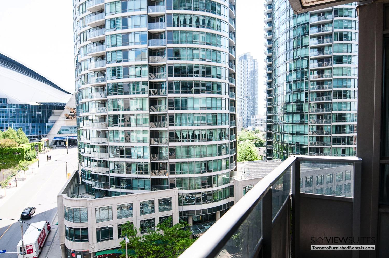 short-term-rentals-toronto-views-entertainment-district