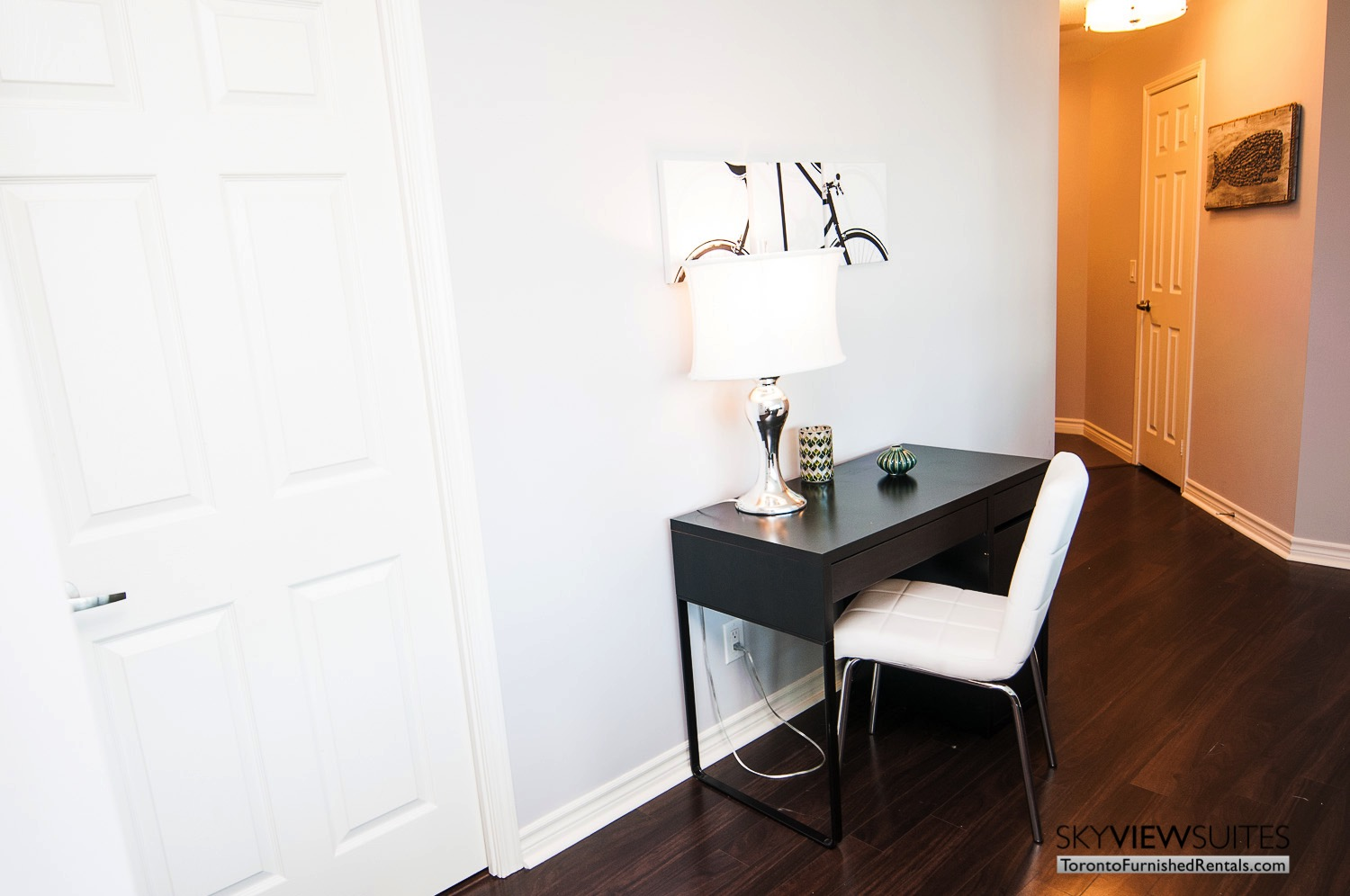 Grand Trunk condos Toronto fully furnished desk