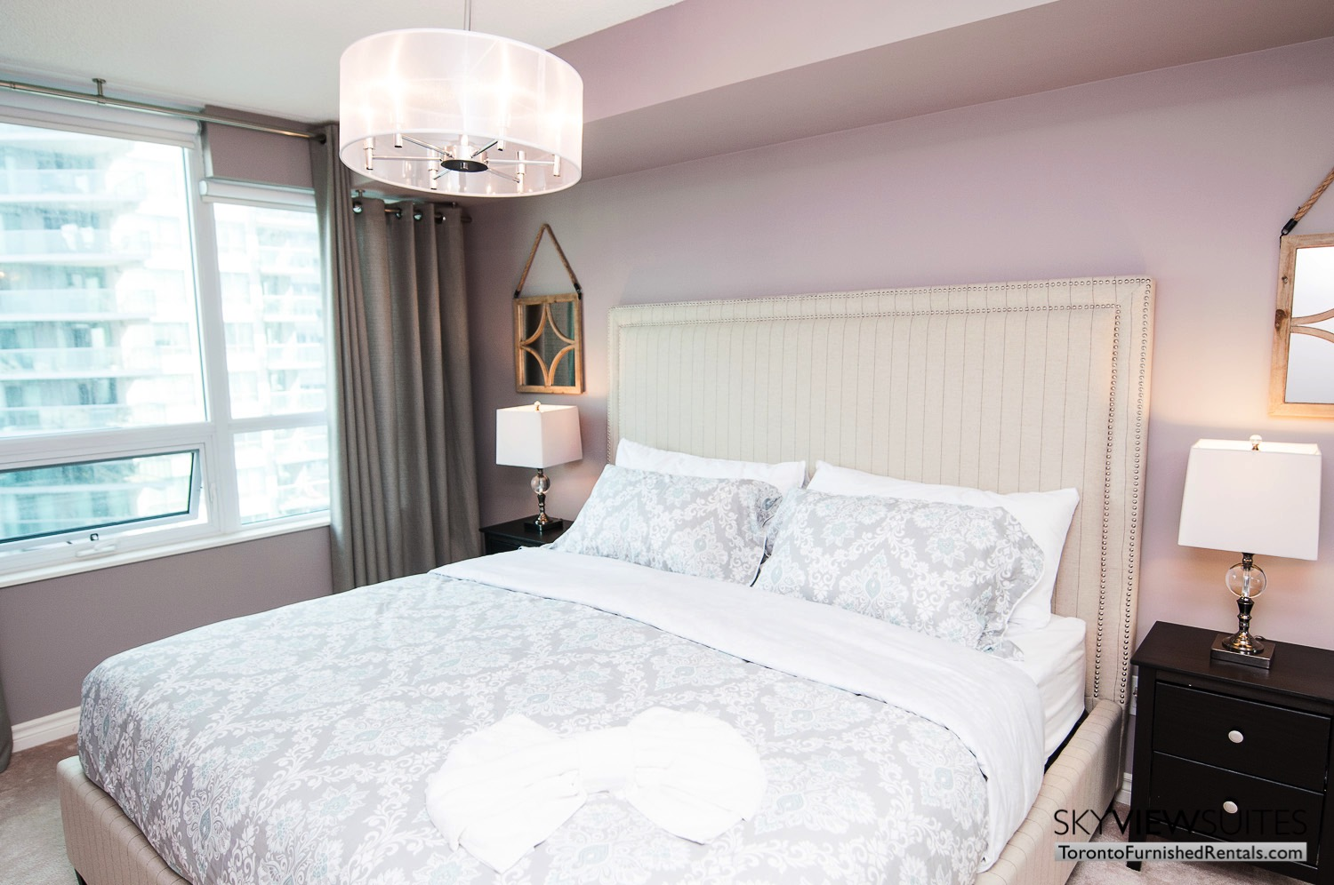 short-term-rentals-toronto-living-bedroom-entertainment-district