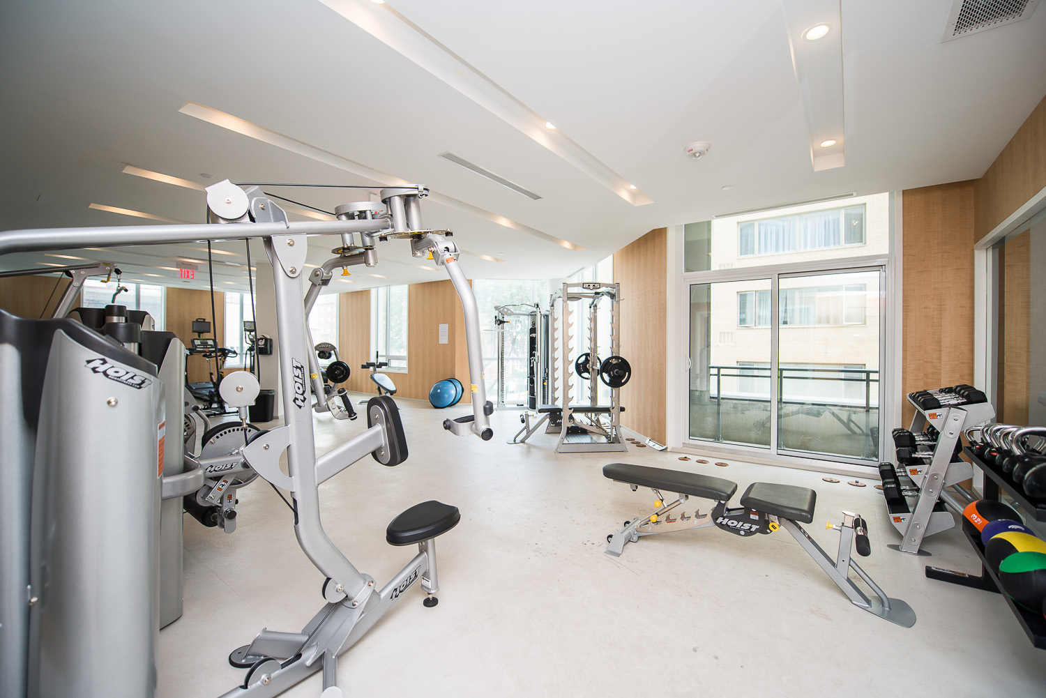 furnished-apartment- ktichen-waterfrontfurnished-apartment- ktichen-waterfrontfurnished-apartment- gym-Yorkville