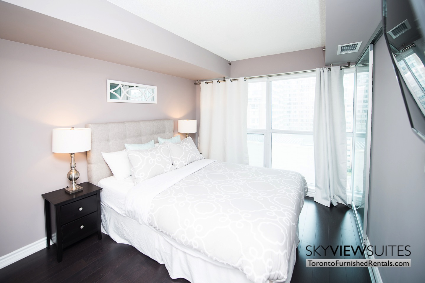 furnished-rentals-toronto-bedroom-college