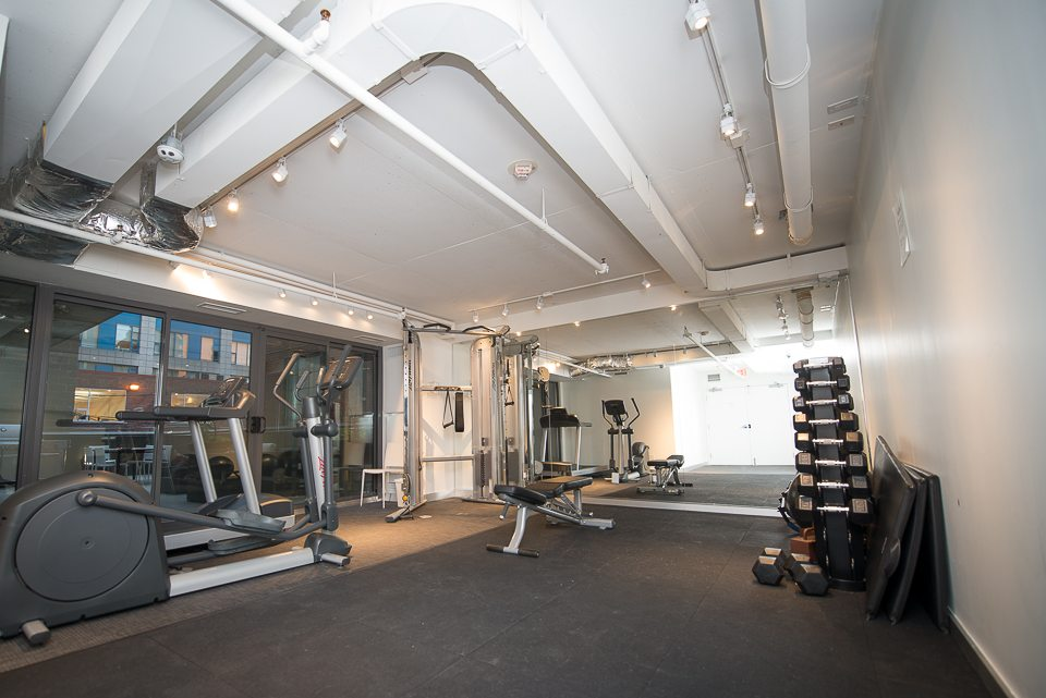 furnished-apartments-gym-fashion-district