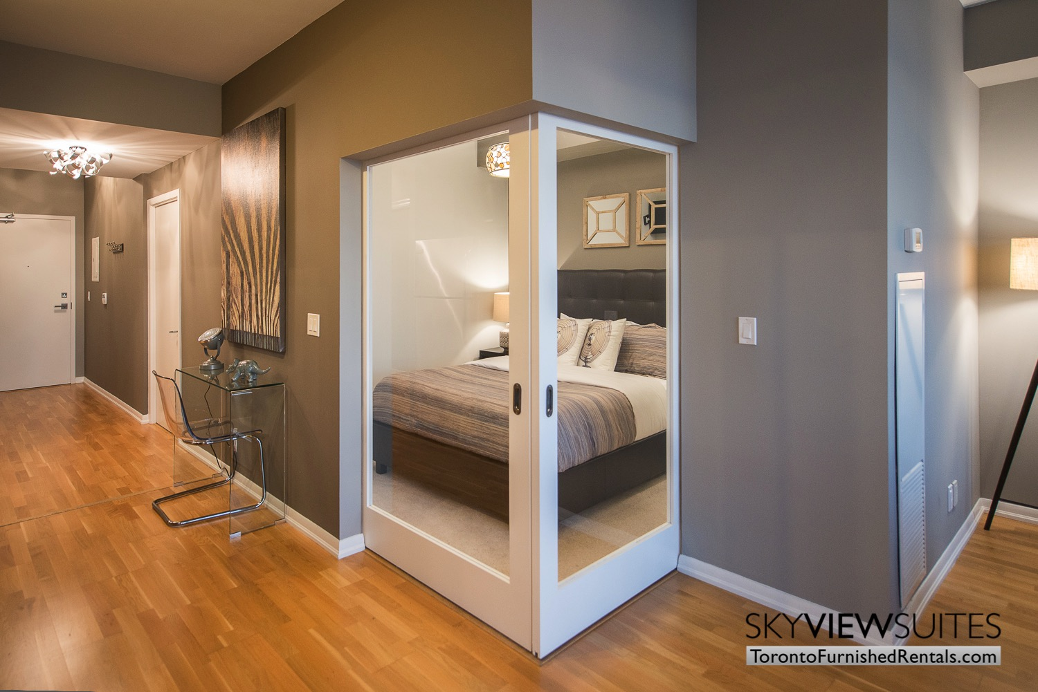 furnished-apartments-toronto-bedroom-and-college