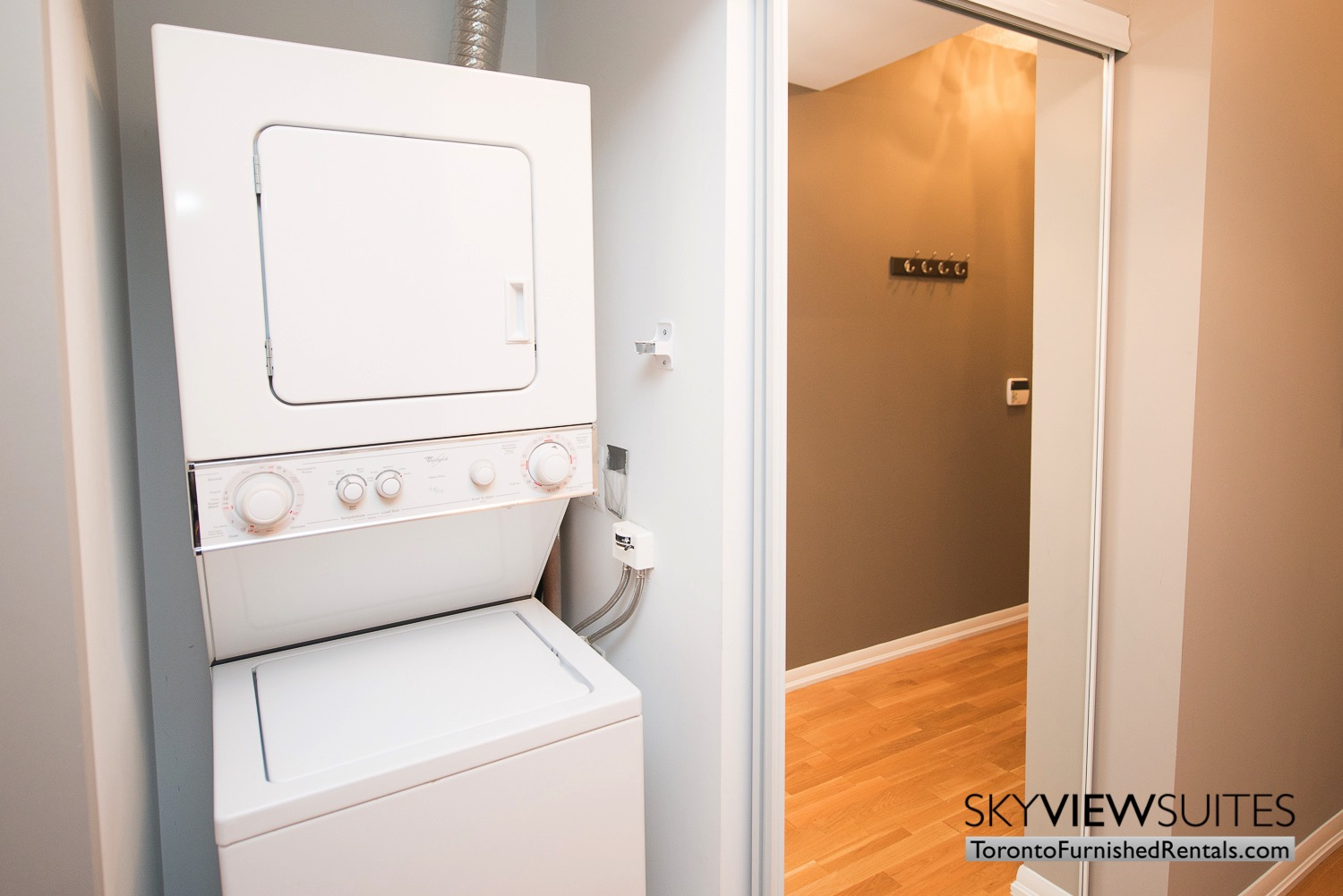 furnished-apartments-toronto-laundry-bay-and-college