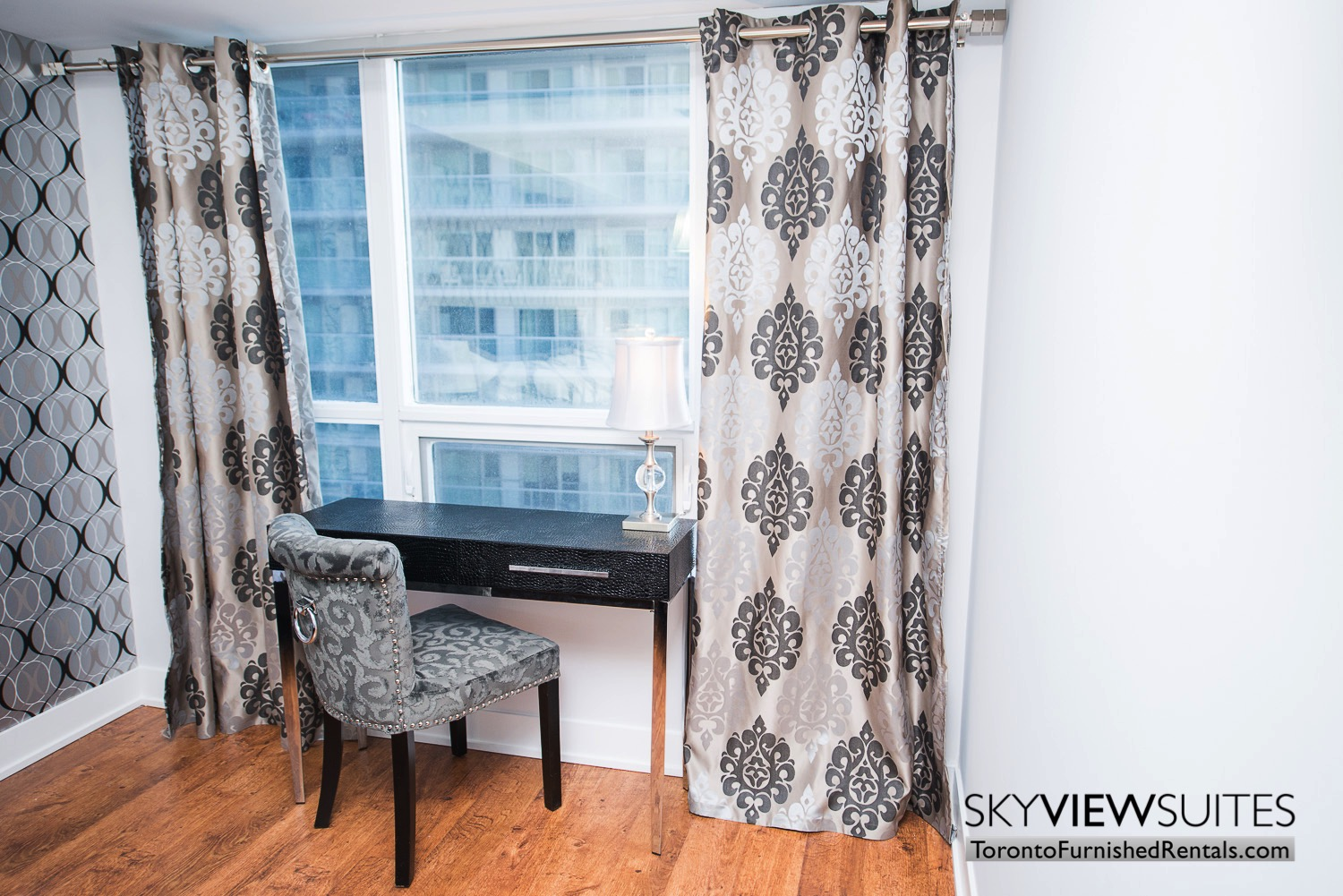 furnished-apartments-bedroom-entertainment-district