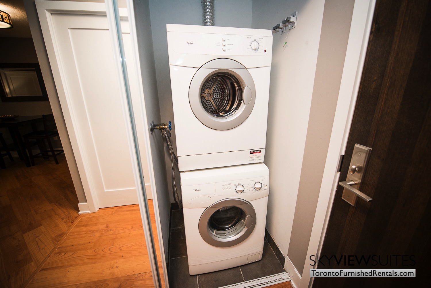 short-term-rentals-toronto-laundry-entertainment-district