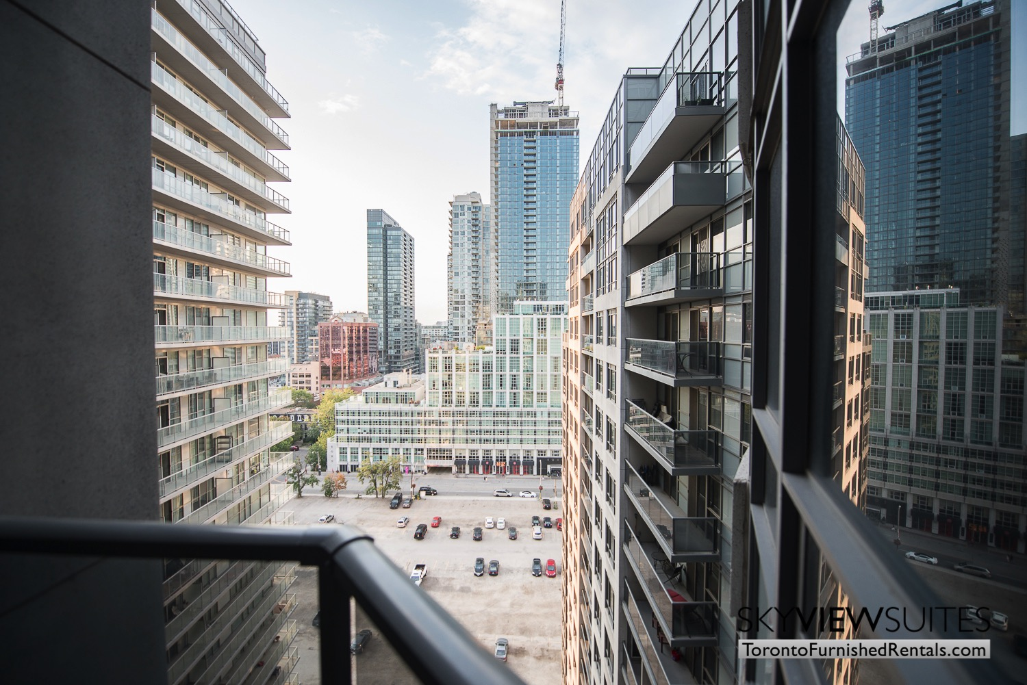 hort-term-rentals-toronto-views-entertainment-district