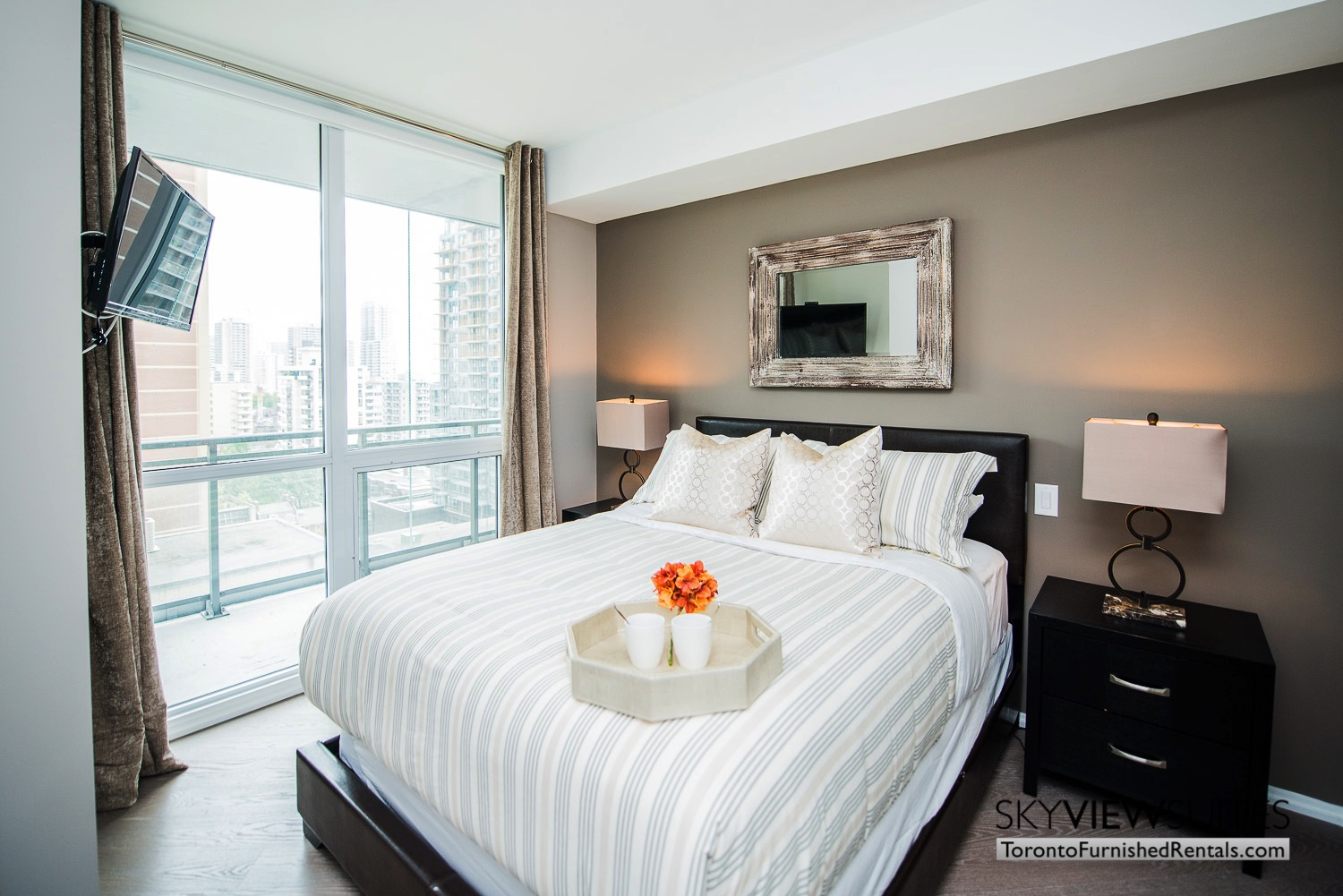 furnished-apartment- ktichen-waterfrontfurnished-apartment- ktichen-waterfrontfurnished-apartment- bedroom-Yorkville