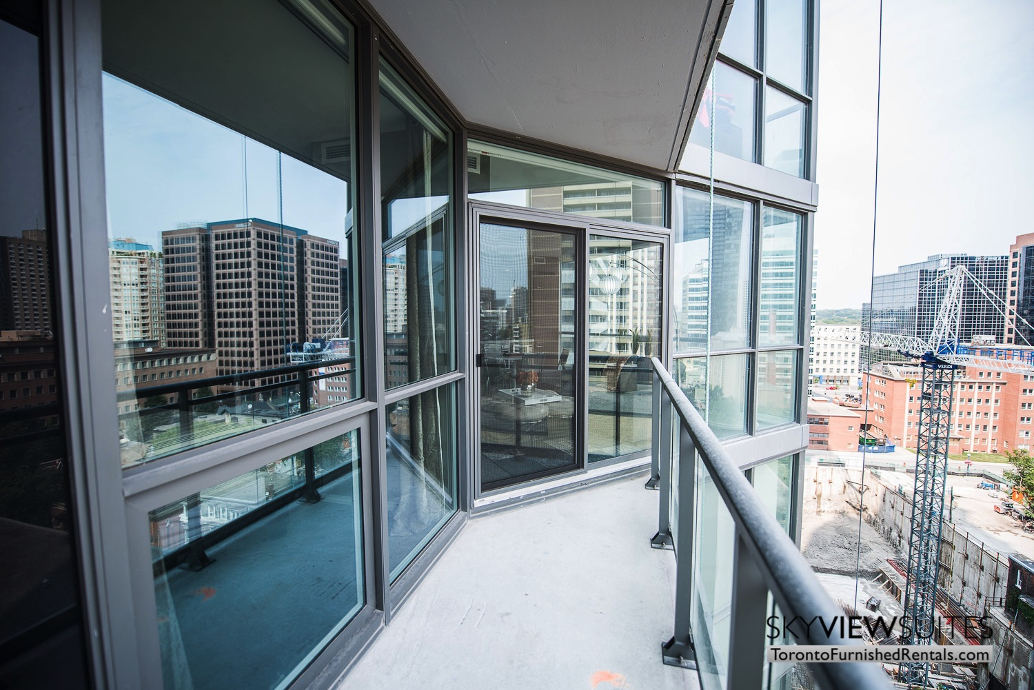 furnished-apartment- ktichen-waterfrontfurnished-apartment- ktichen-waterfrontfurnished-apartment- views-Yorkville