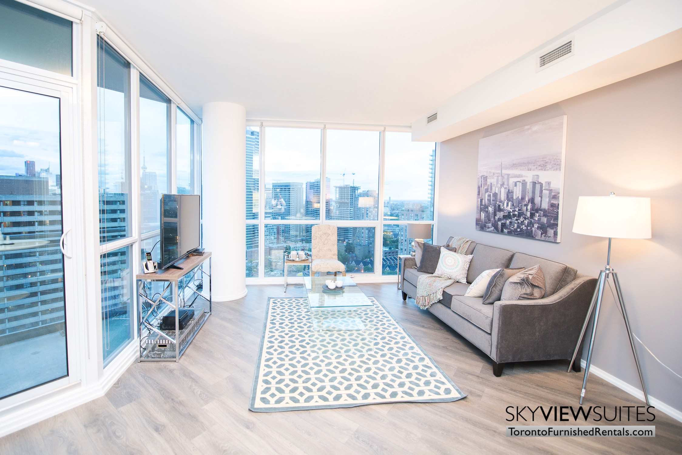 Yorkville D - 1 Bedroom plus Den Serviced Apartment