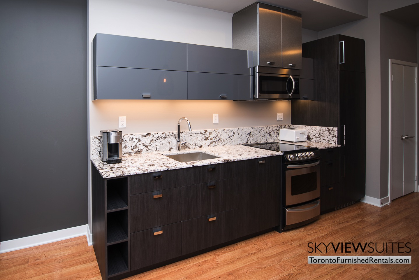 furnished-rentals-toronto-kitchen-financial-district