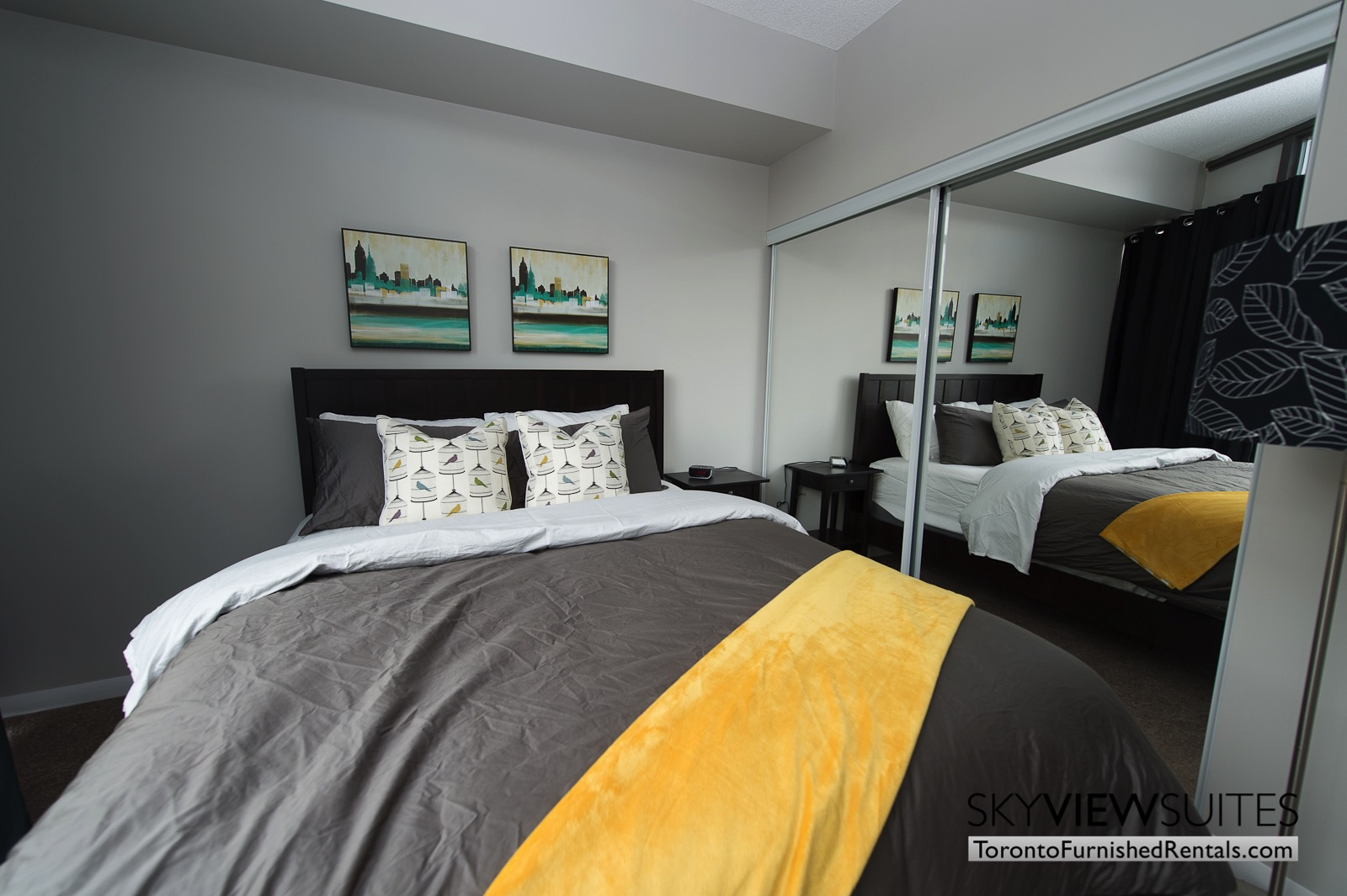 furnished-apartments-toronto-bedroom-bay-and-college