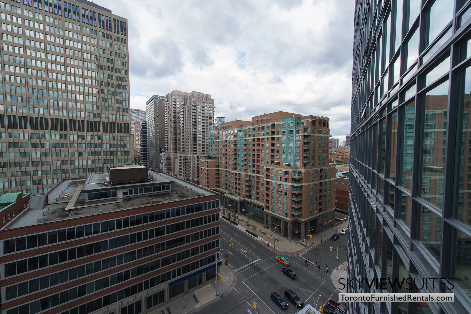 furnished-apartments-toronto-amenities-bay-and-college