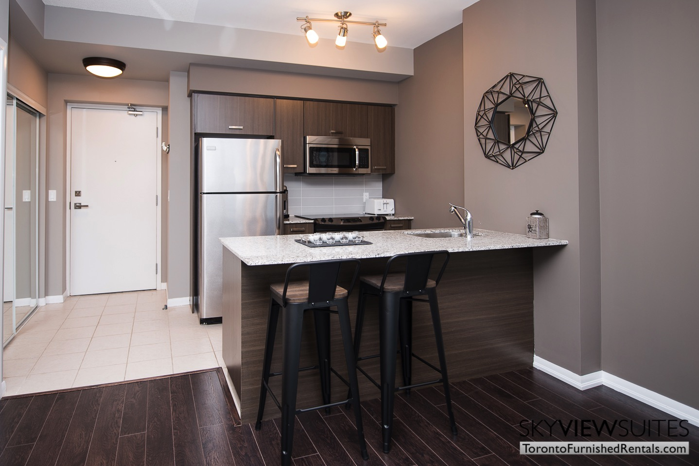 urnished-apartments-toronto-kitchen-bay-and-college