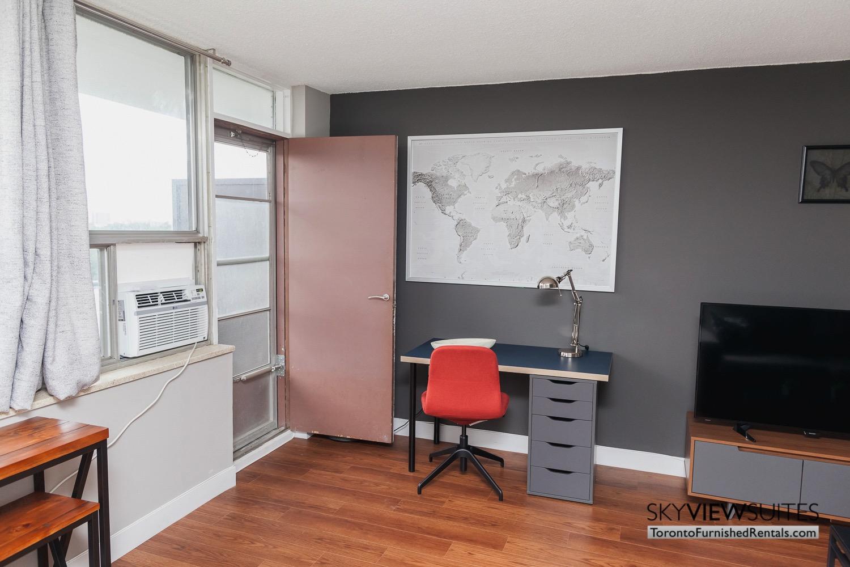 short-term-rentals-toronto-bedroom-davisville