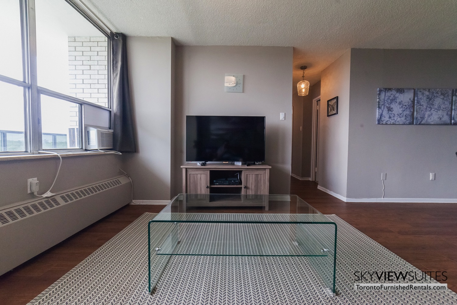 short-term-rentals-toronto-living-room-davisville