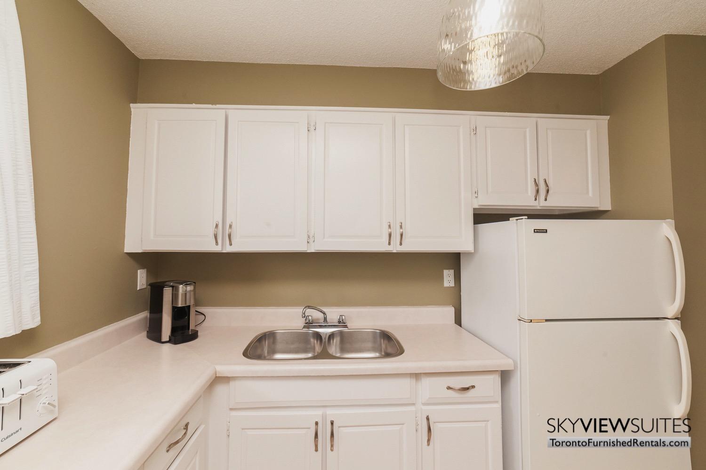 short-term-rentals-toronto-kitchen-davisville