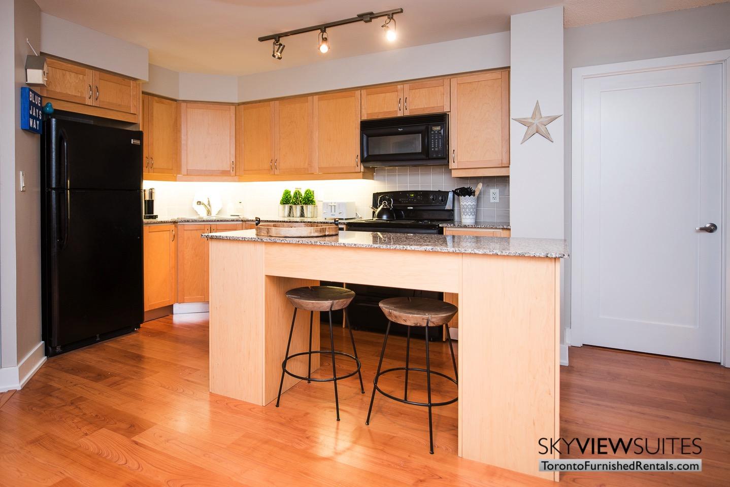 short-term-rentals-toronto-kitchen-entertainment-district