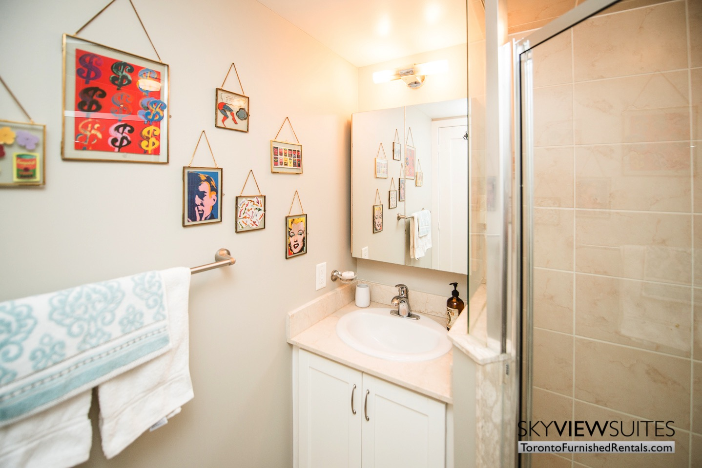short-term-rentals-toronto-bathroom-entertainment-district
