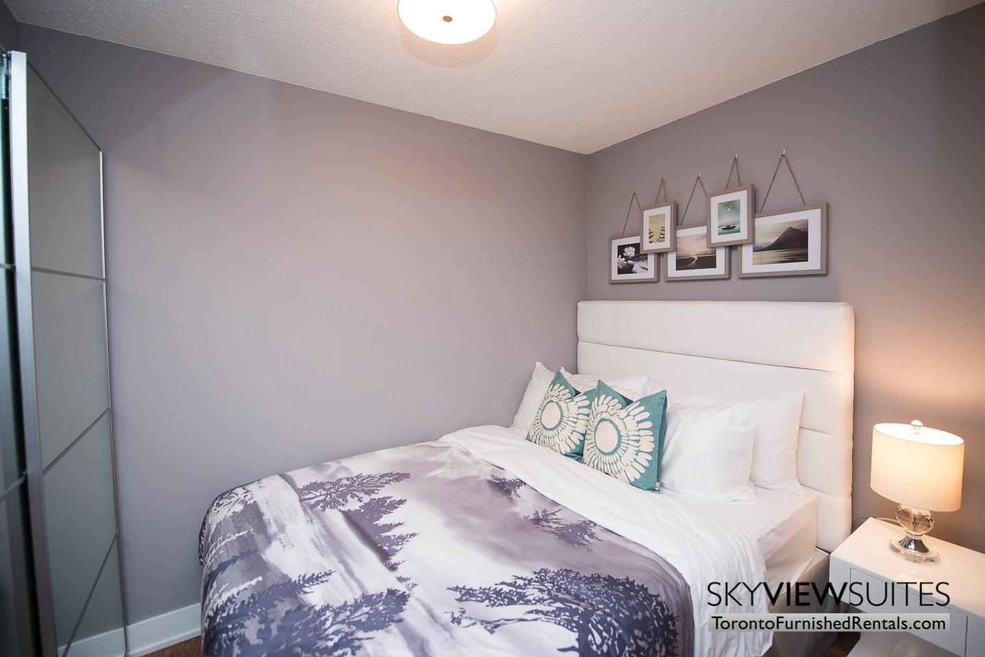 short-term-rentals-toronto-bedroom-entertainment-district