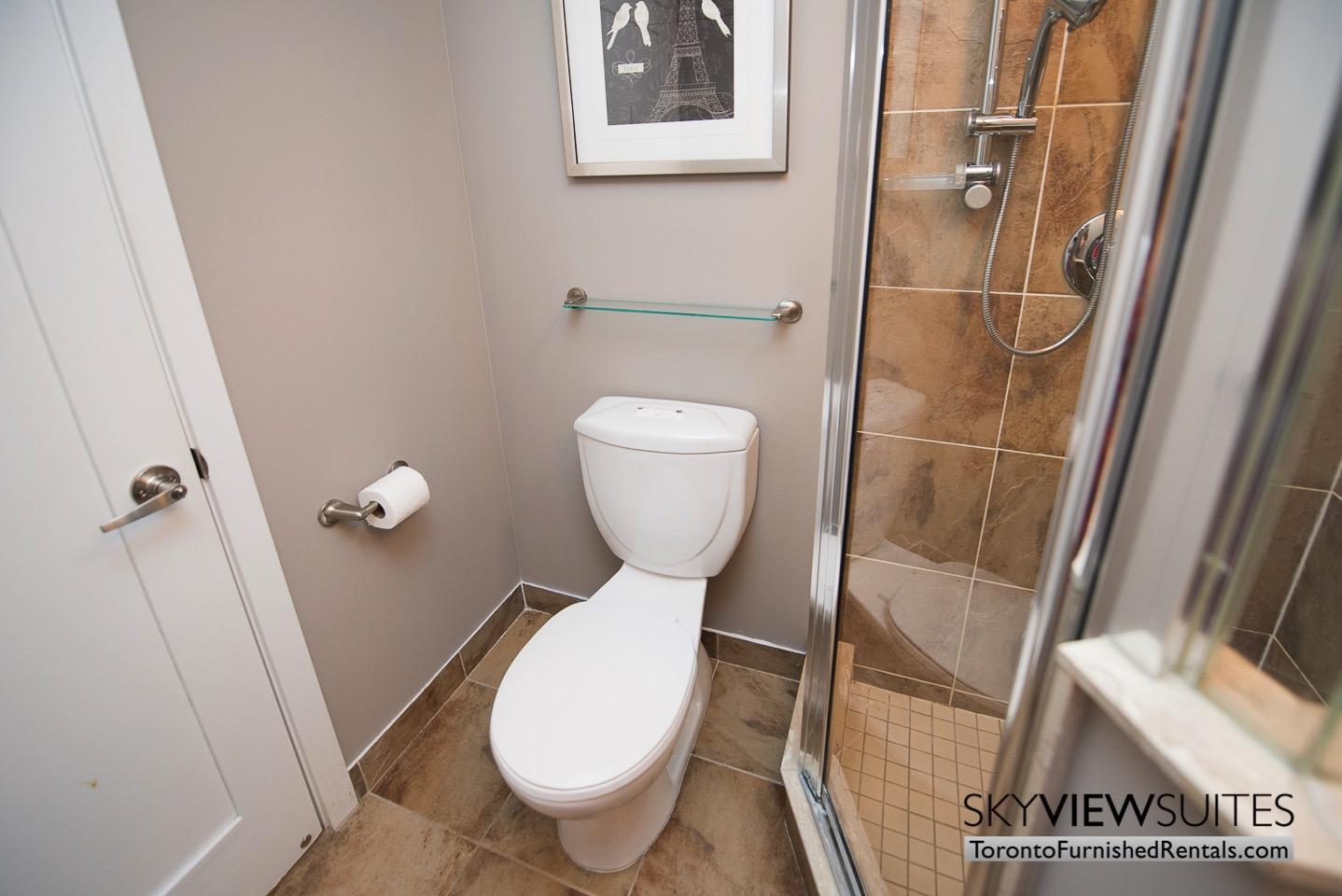 short-term-rentals-toronto-bathroom-entertainment-district