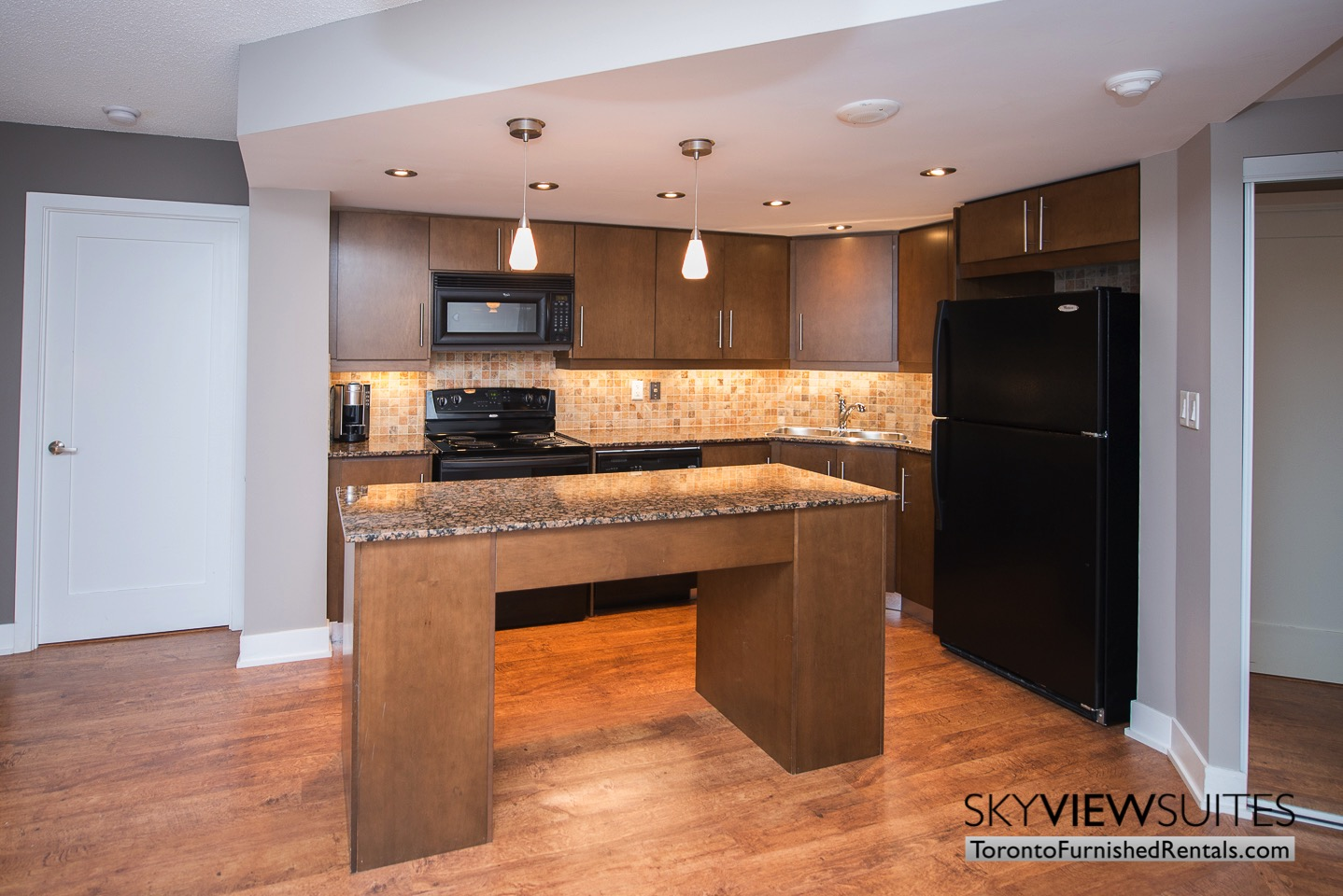 short term rentals toronto kitchen entertainment district