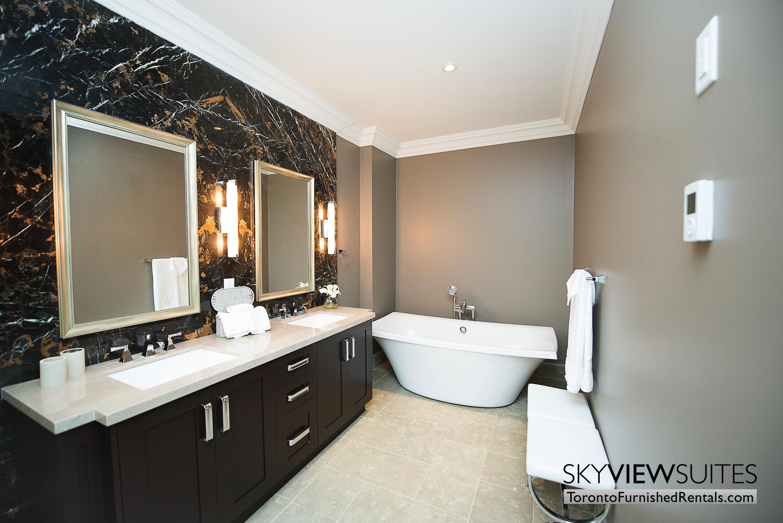 furnished-rentals-toronto-bathroom-bay-college