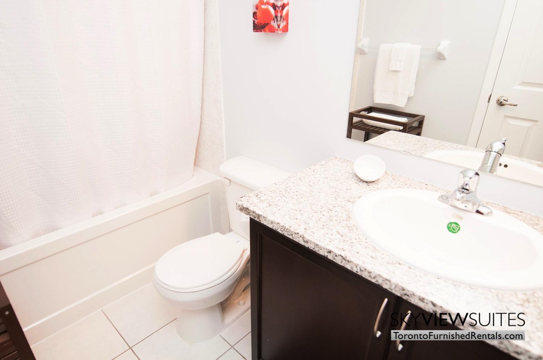 short-term-rentals-toronto-living-bathroom-entertainment-district