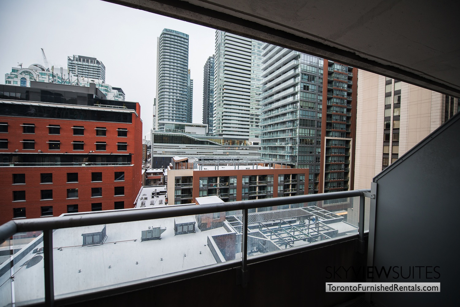 short-term-rentals-toronto-views-entertainment-district