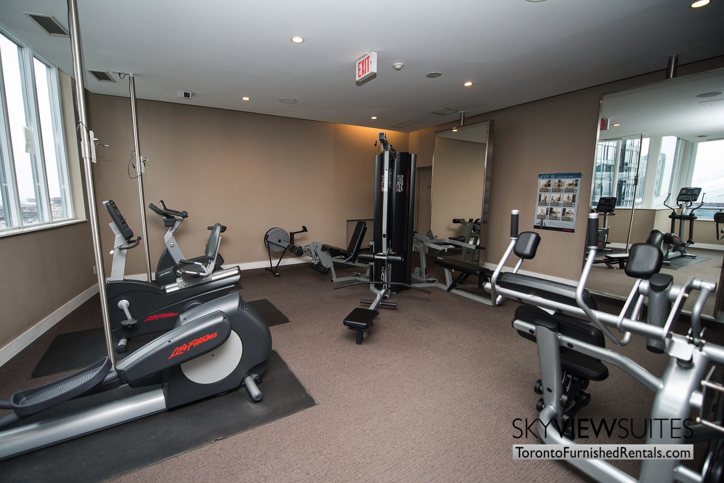 short-term-rentals-toronto-living-amenities-entertainment-district