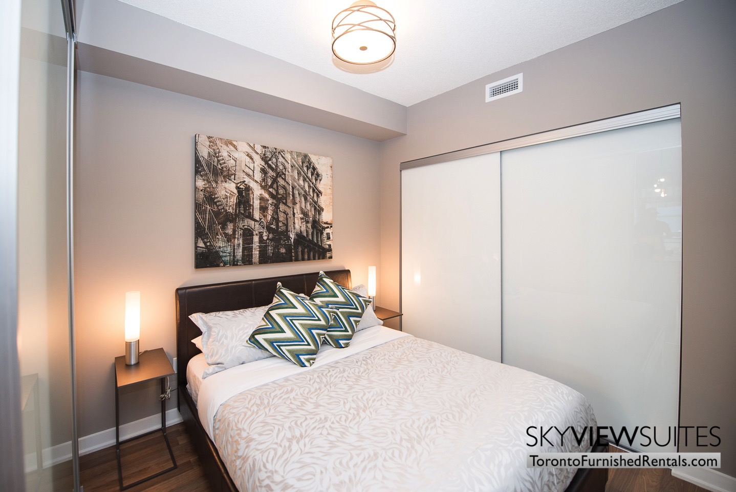 furnished-apartments-bedroom-King-west