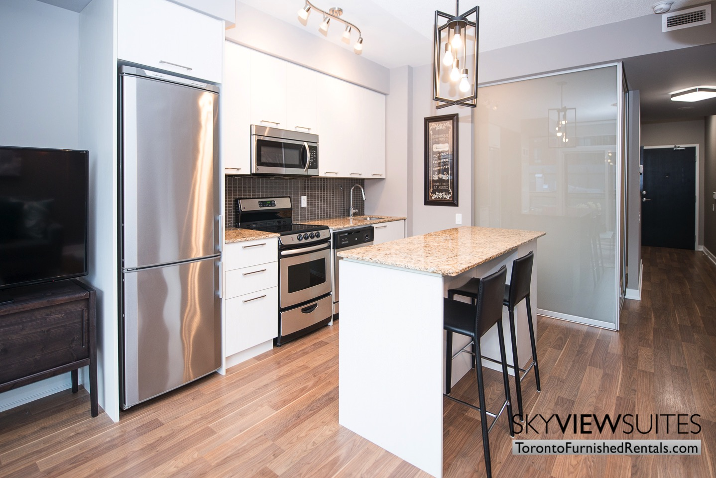 furnished-apartments-kitchen-King-west