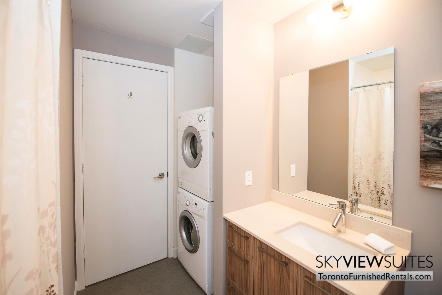 furnished-apartments-bathroom-King-west