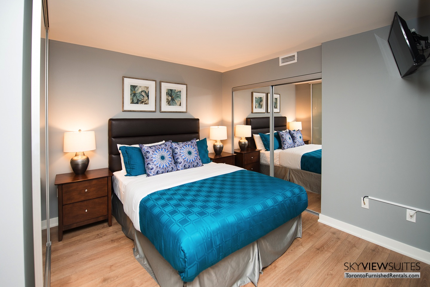 urnished-apartments-bedroom-King-west