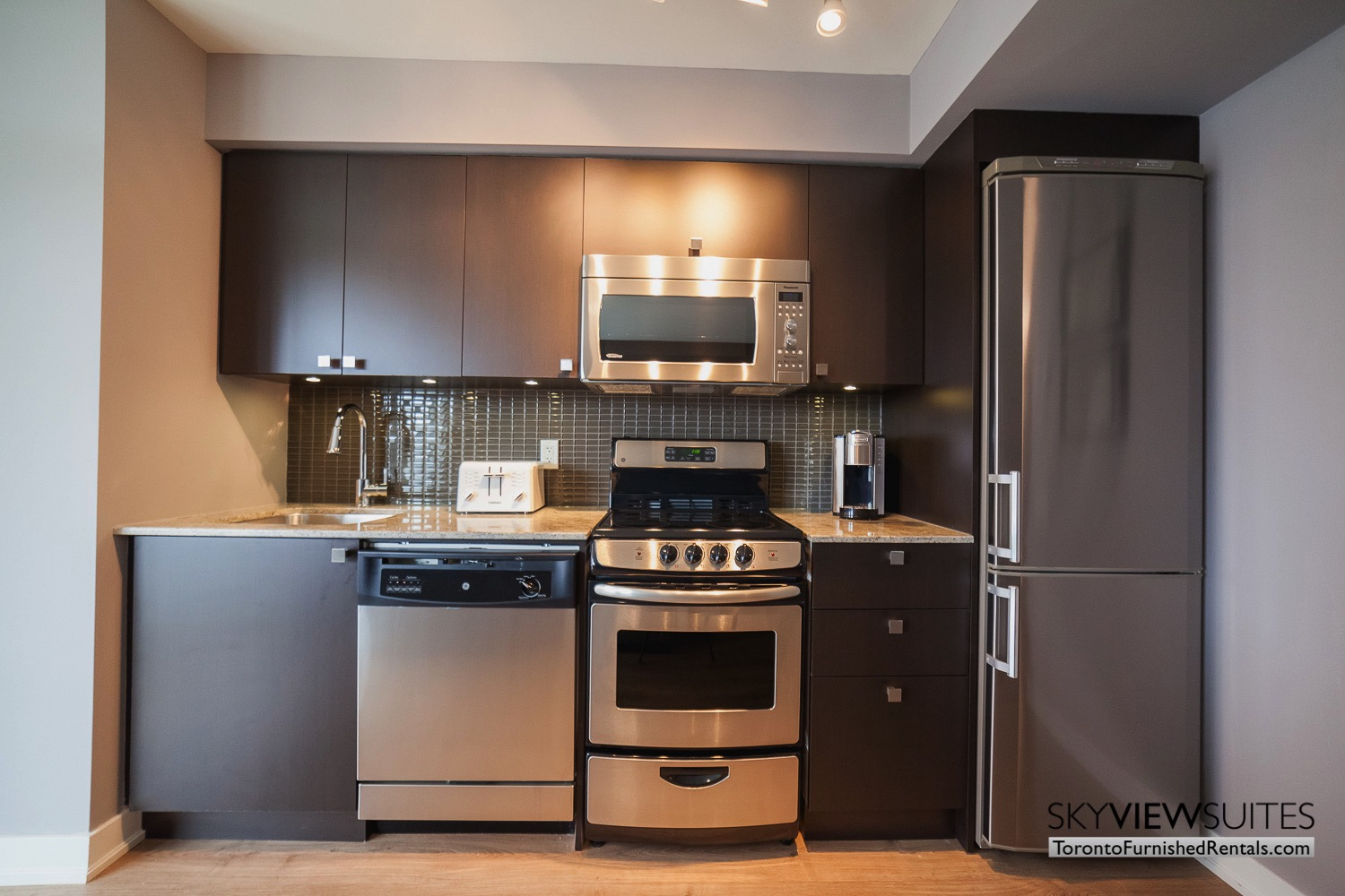 kitchen in King west corporate rentals toronto