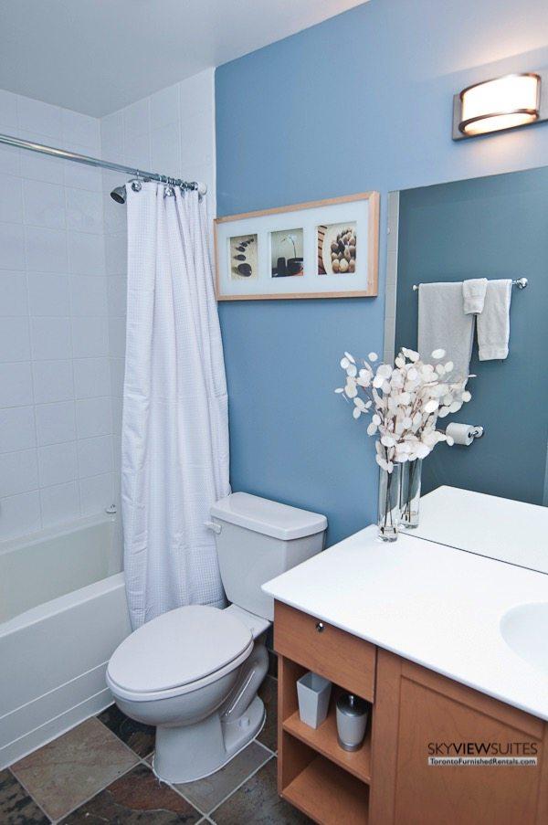 short-term-rentals-toronto-bathroom-yonge-dundas