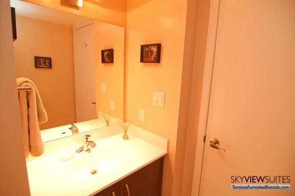 Qwest executive rental Toronto bathroom