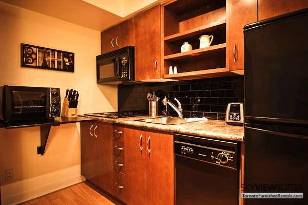 short-term-rentals-toronto-kitchen-yonge-dundas