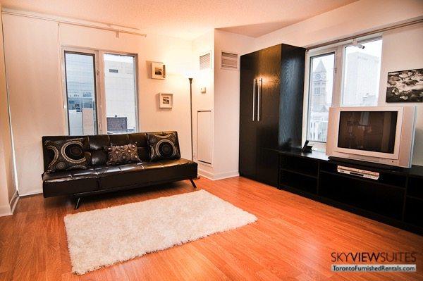 short-term-rentals-toronto-bedroom-yonge-dundas