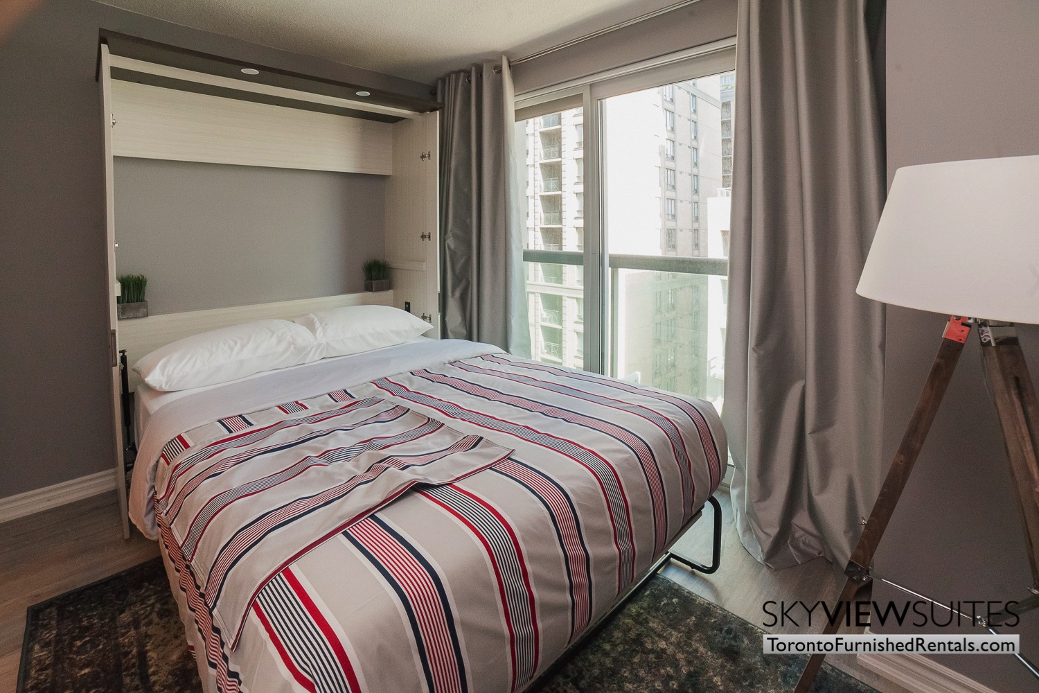 short-term-rentals-toronto-bedroom-financial-district