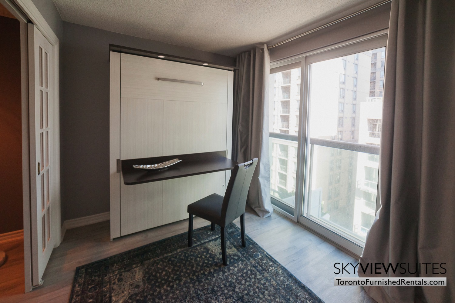 short-term-rentals-toronto-living-room-financial-district