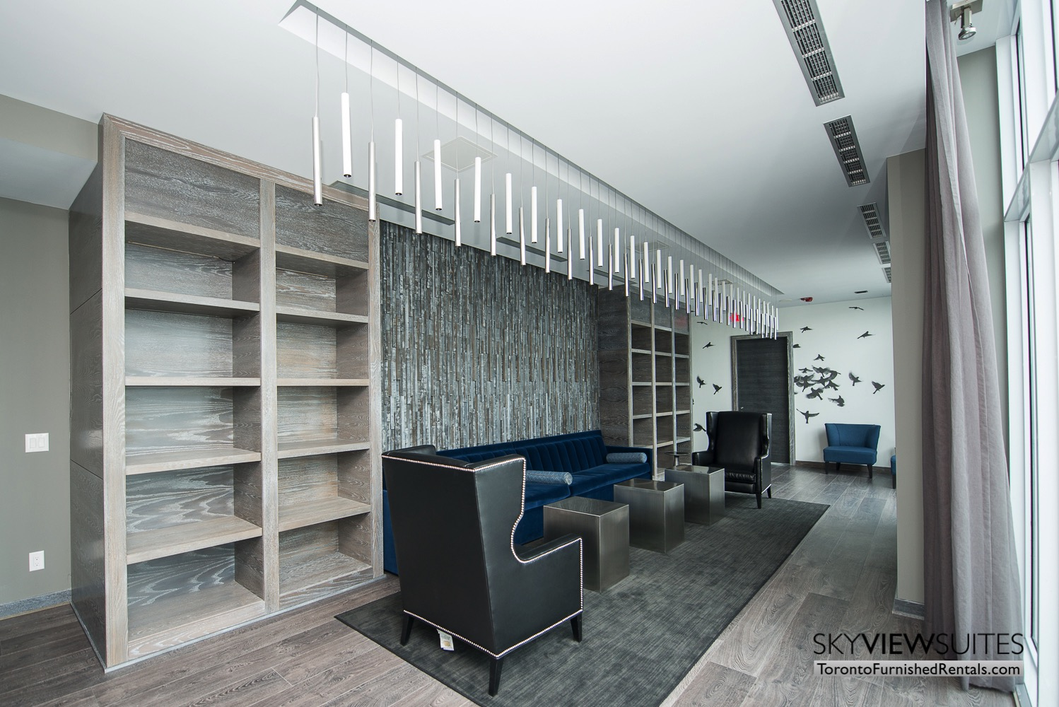 furnished apartments toronto Varsity chairs