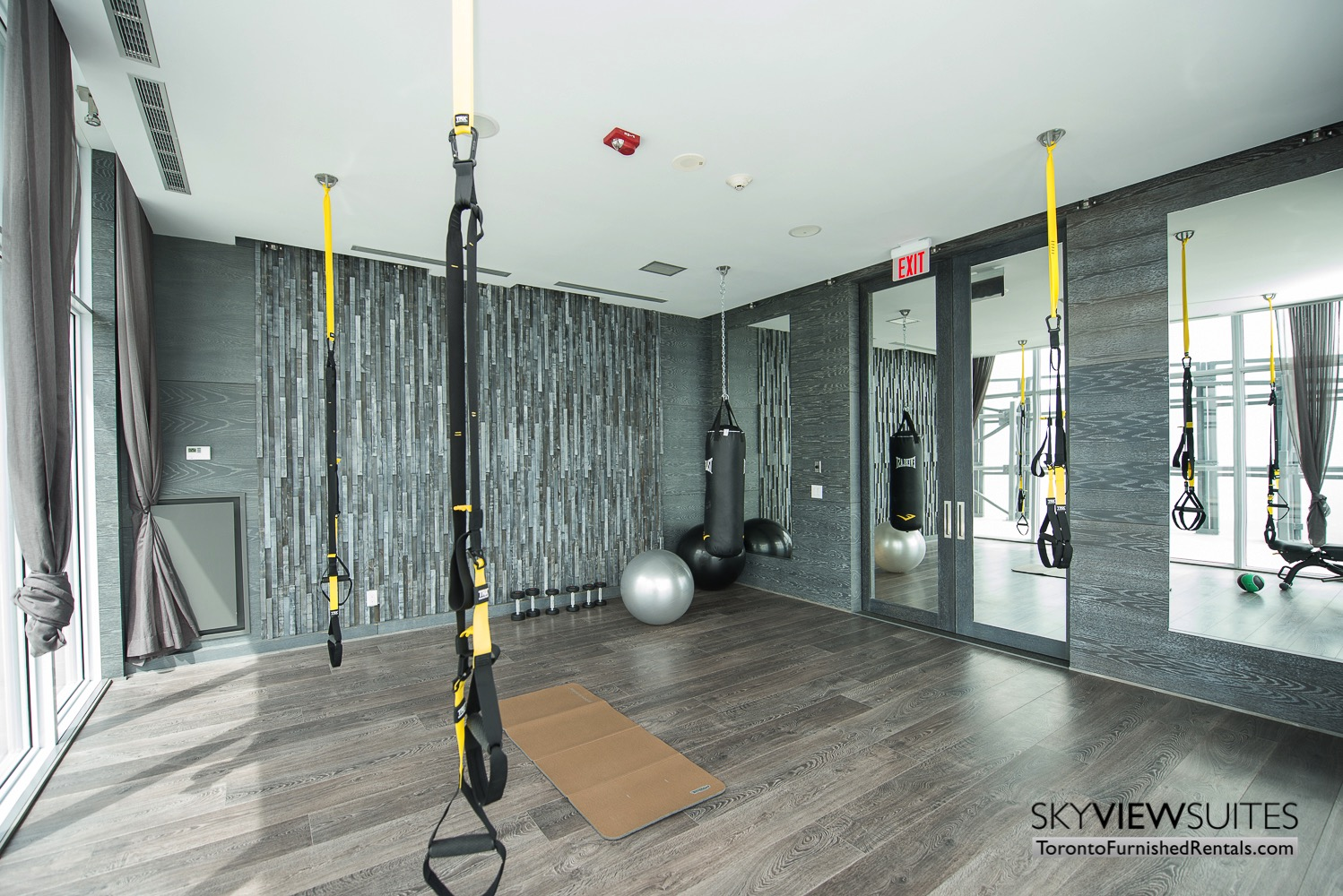 furnished apartments toronto Varsity weight and yoga room