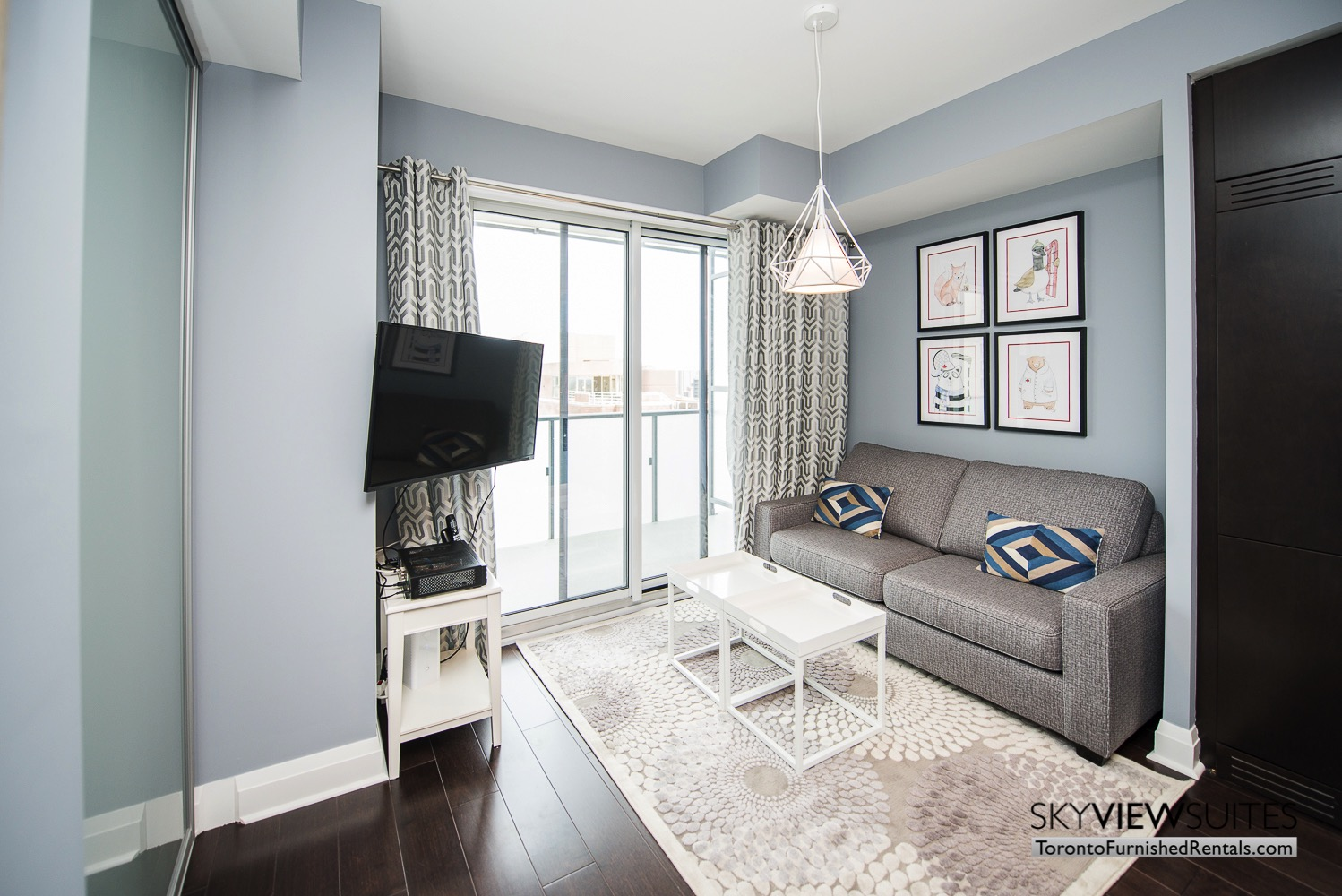 furnished apartments toronto Varsity couch