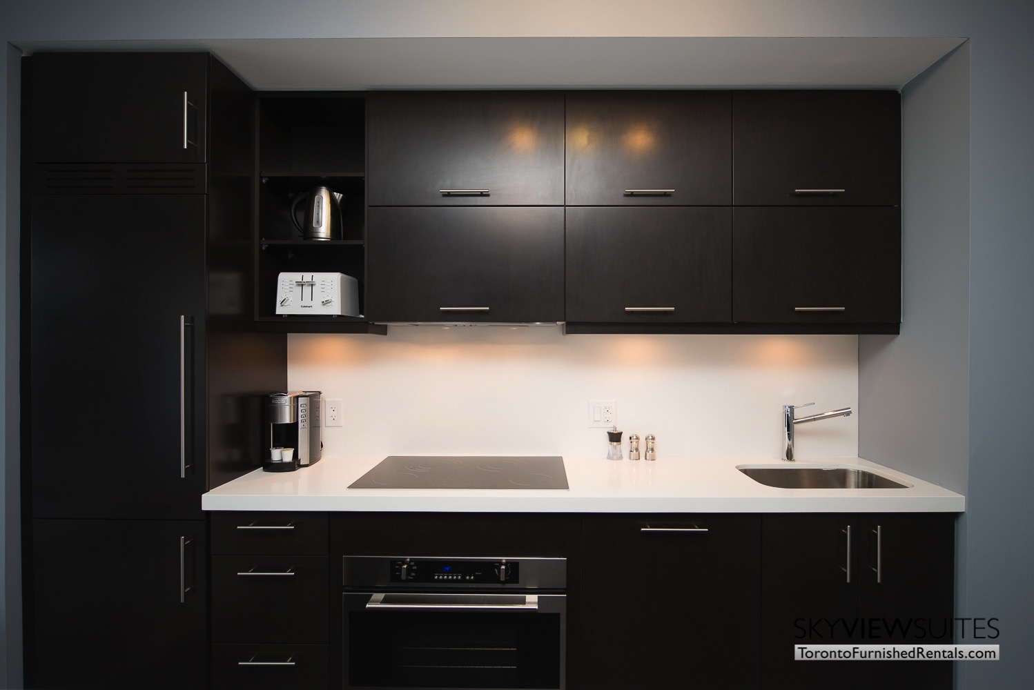 furnished apartments toronto Varsity kitchen